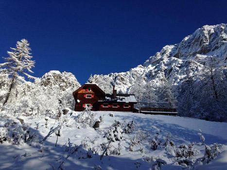 il rifugio dopo una bella nevicata